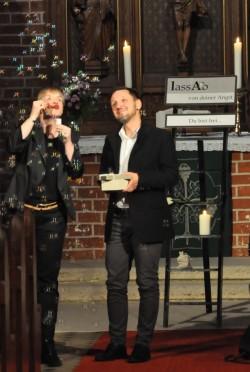 Jens und Insina Seifenblasen